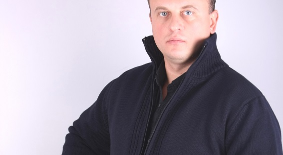 Man Sweater model 1205108Q3100